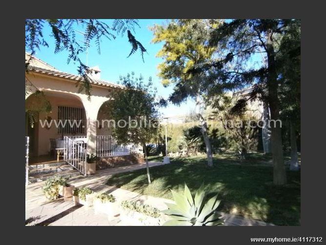 Calle, 46185, La Pobla de Vallbona, Spain