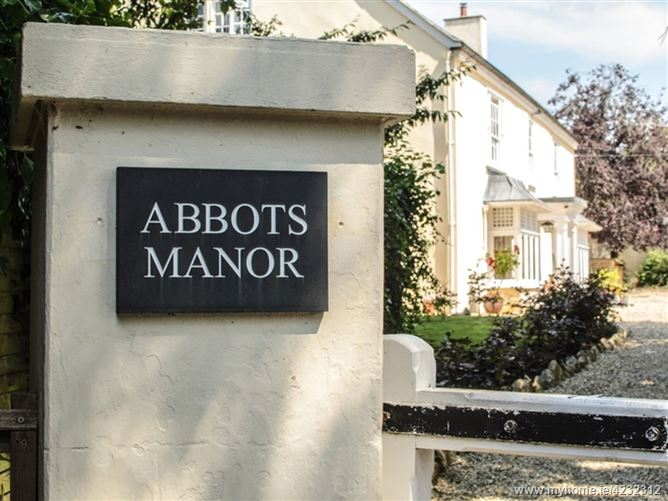 Main image for Abbots Manor,Combe Raleigh, Devon, United Kingdom