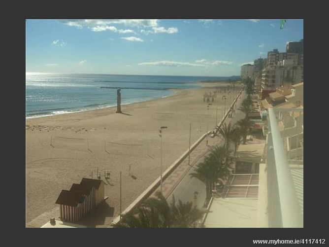 Calle, 03560, El Campello, Spain