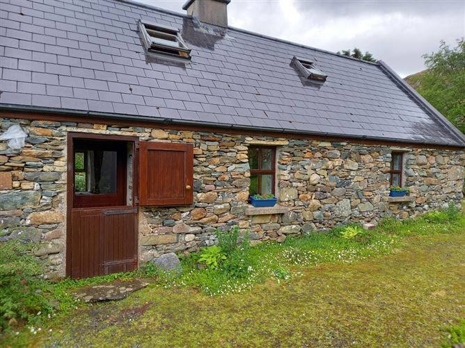 Main image for 386 Toornacarra Cottage Lettergesh,