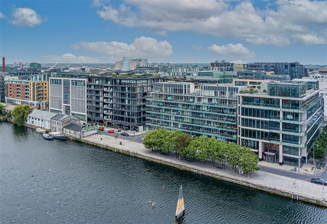 Main image for 24 The Waterfront, Grand Canal Dk, Dublin 2