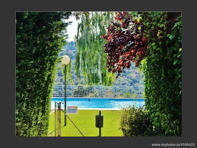 Calle, 28250, Torrelodones, Spain