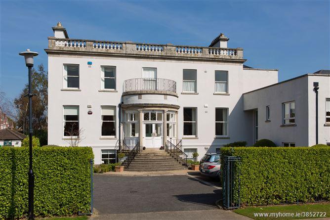 12 Marlfield House, St Gabriel's , Cabinteely, Dublin 18