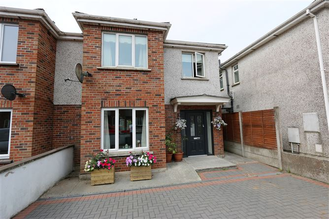 Main image for 17 Woodgrove Heights, Dunleer, Louth