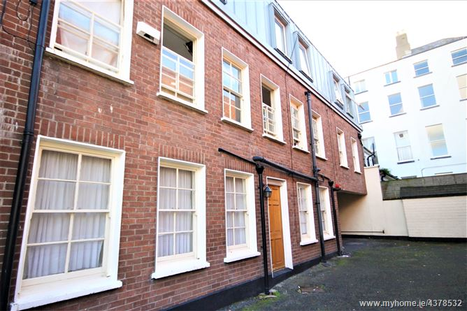 Main image for 6 Pembroke Place, Pembroke Street Upper, South City Centre,   Dublin 2