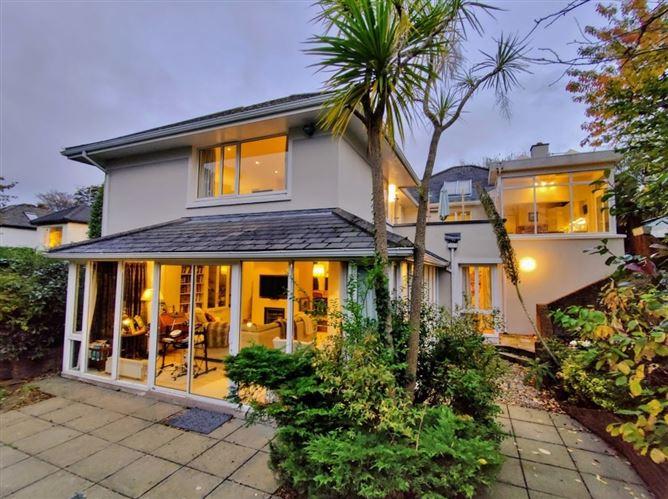 Main image for Heatherfield Lodge, 5 Barnhill Road, Dalkey, County Dublin