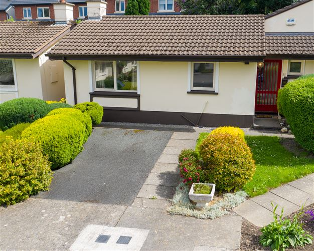 Main image for 11 Rosslyn Grove , Bray, Wicklow