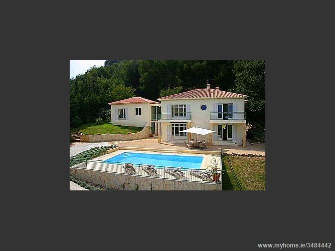 1126 Route De Cannes ,Valauris ,06220