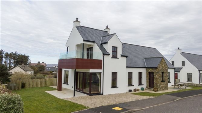 17 Patricks Hill, Dunfanaghy, Donegal