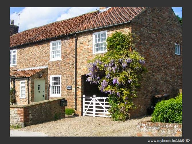Main image for Pear Tree Cottage,Great Ouseburn, North Yorkshire, United Kingdom