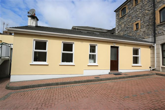 3 The Courtyard, Trinity Street, Drogheda, Louth