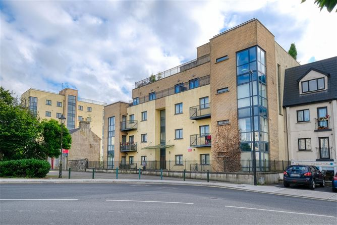 Main image for 8 The Quays, Market Square, Longford, Longford