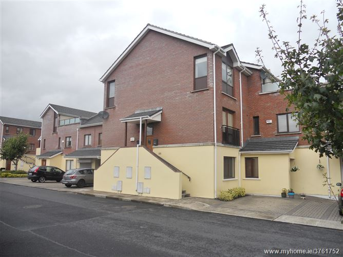 19 Hansted Drive, Lucan, Dublin