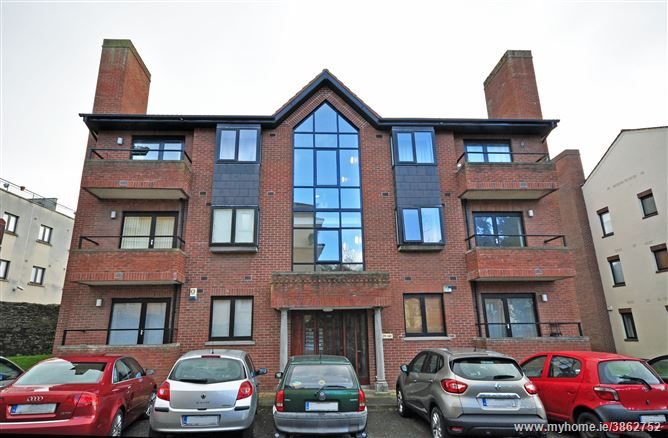 Photo of 136 Brooklawn, Clontarf, Dublin 3
