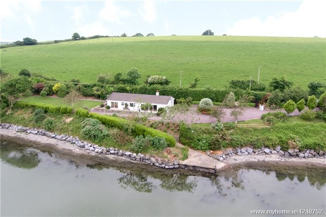 Riverhouse, Tisaxon Beg, Kinsale, Co Cork, P17TD27