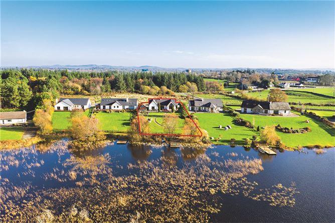 Main image for Two Pot House, Cregg Lake, Whitegate, Co Clare, V94 R27C