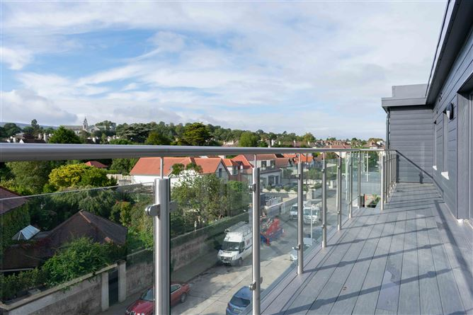 Main image for 10 Greygates Hall, Mount Merrion, County Dublin