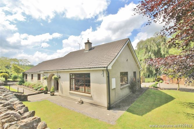 Griffinstown Cottage on c. 0.7 Acre/ 0.28 Ha.