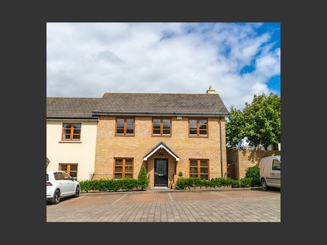 Main image for 8 Oak Hall, Malahide, Dublin