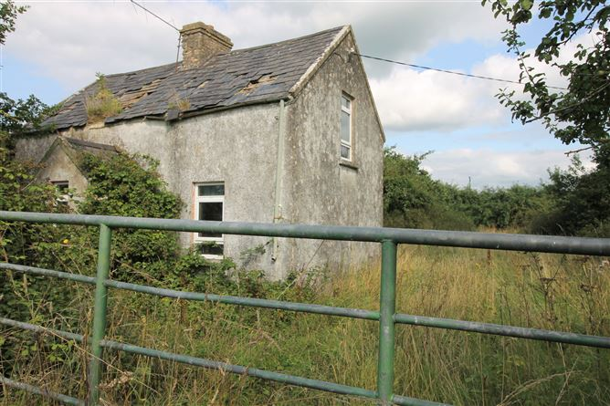 Main image for Old Bawn Cottage, Clogheraily, Loughmore, Templemore, Tipperary