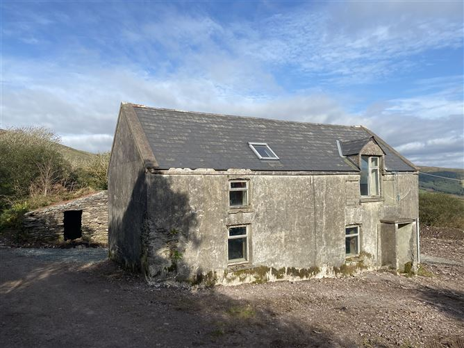 Main image for Ref 970 - Old Stone Farmhouse, Maulin, Waterville, Kerry