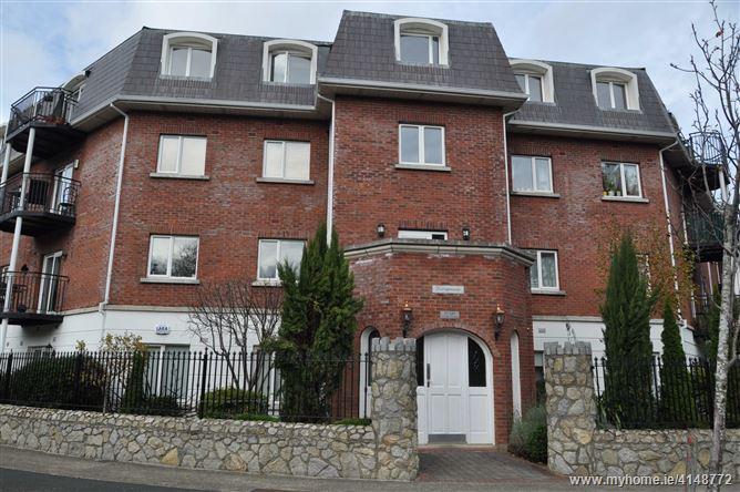 Kerrymount, Castle Court, Kilgobbin Wood, Sandyford, Dublin 18