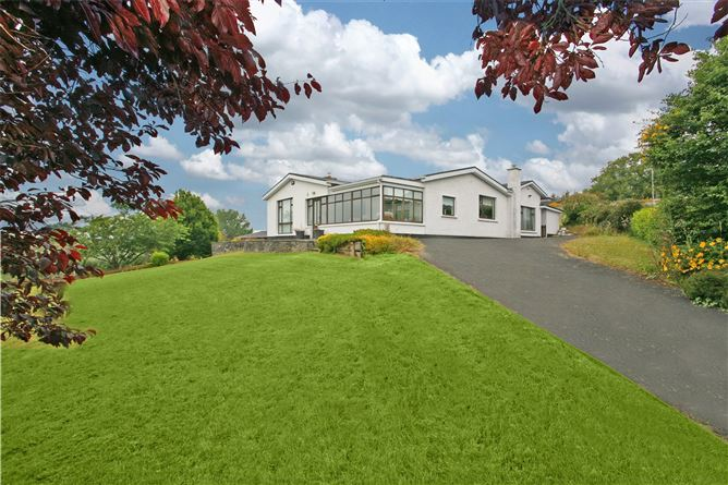 Main image for 8 Tullyglass Hill,Shannon,Co Clare,V14 TC97