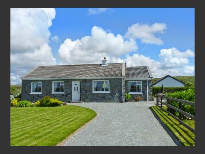 Main image for Courhoor Lake Cottage, CLADDAGHDUFF, COUNTY GALWAY, Rep. of Ireland