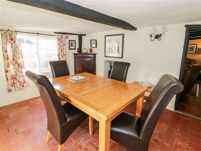 Main image for The Little Thatch Cottage,Riseley, Bedfordshire, United Kingdom