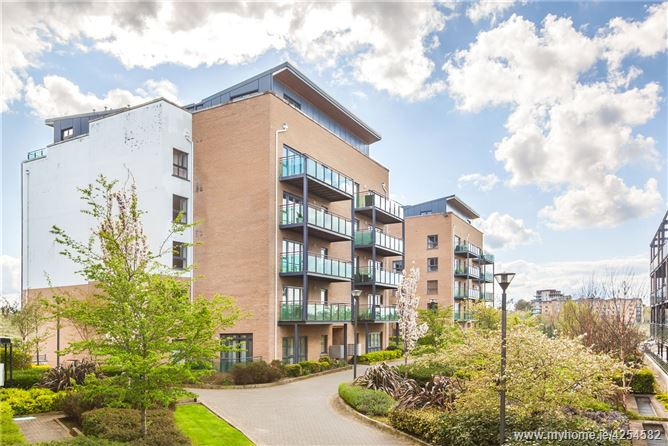 Main image for Apartment 32, Royal Canal Court, Ashtown, Dublin 15, D15 KD26