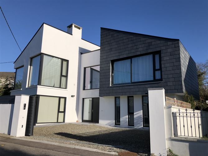 Main image for Rincurran Mews House, Ardbrack, Kinsale, West Cork, P17HN34