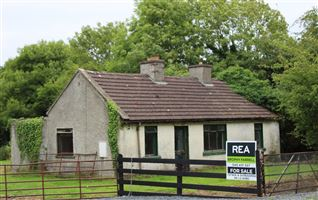 Cottage and Outbuildings on C.5 Acres at Punchersgrange, Milltown, Kildare
