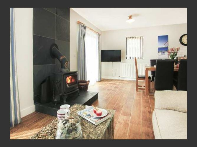Main image for Cowrie Cottage, RHOSNEIGR, Wales