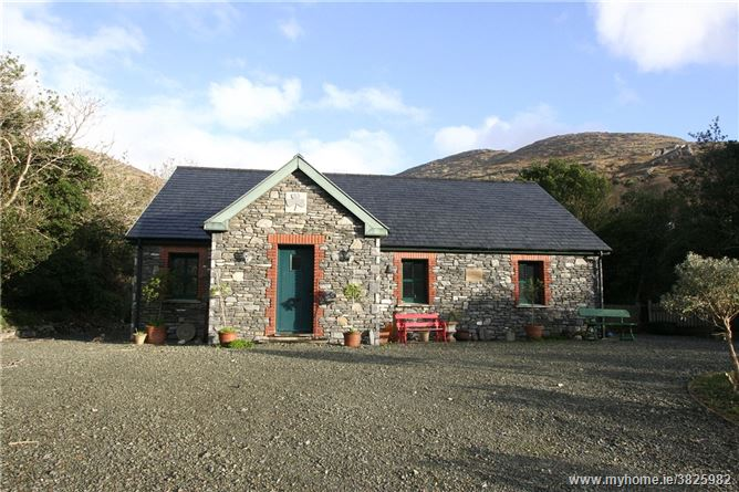 Coolcreen Cottage, Glanmore Lake, Lauragh, Kenmare, Co. Kerry