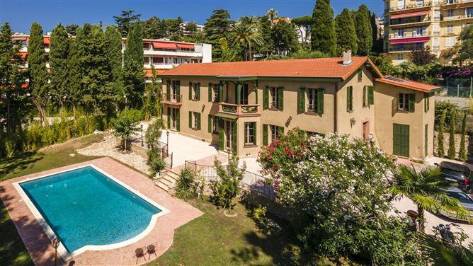 Main image for The Painter's Handiwork,Cannes,Provence-Alpes-Côte d'Azur,France