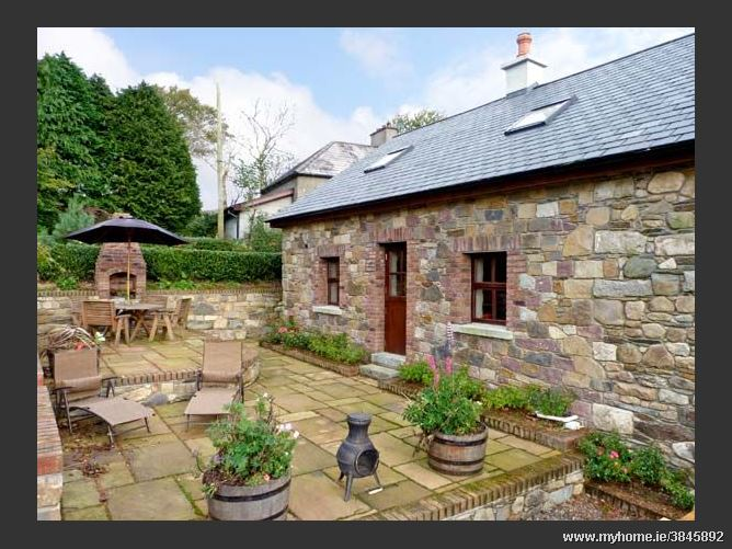 farm camping accommodation cottage in cottages hostel slane county meath ireland