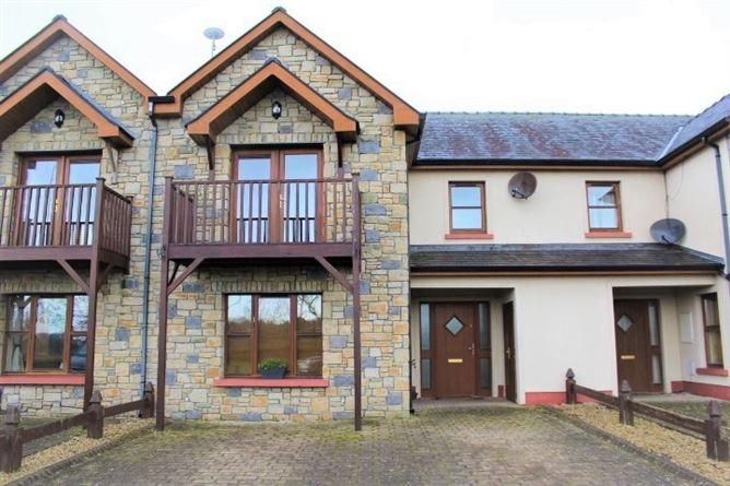 15 Waterfront, Tarmonbarry, Roscommon