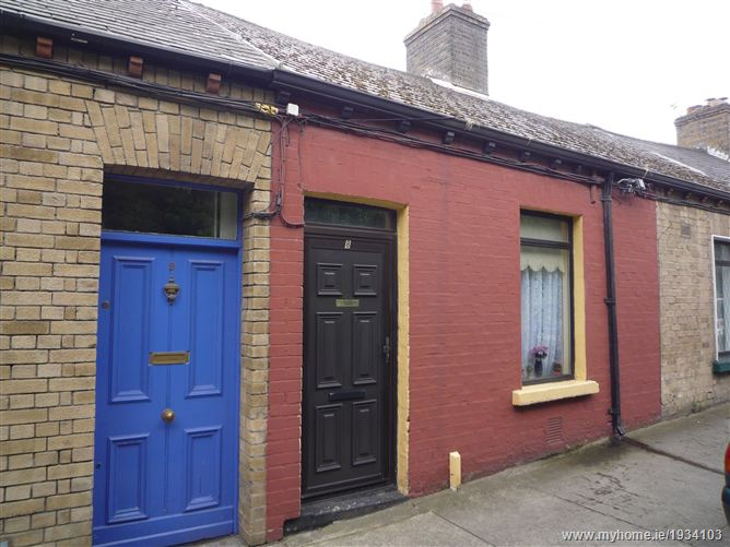 8 St Johns Cottages, High Road, Kilmainham Lane