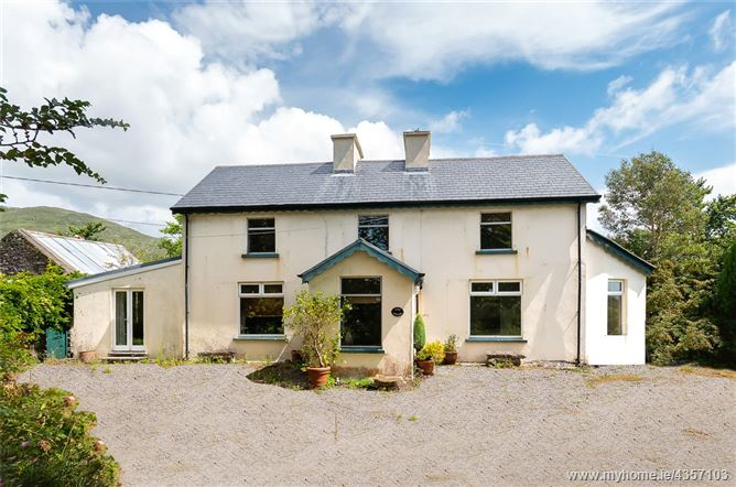 Liss House, Liss, Castlecove, Co Kerry, V93 W5Y6