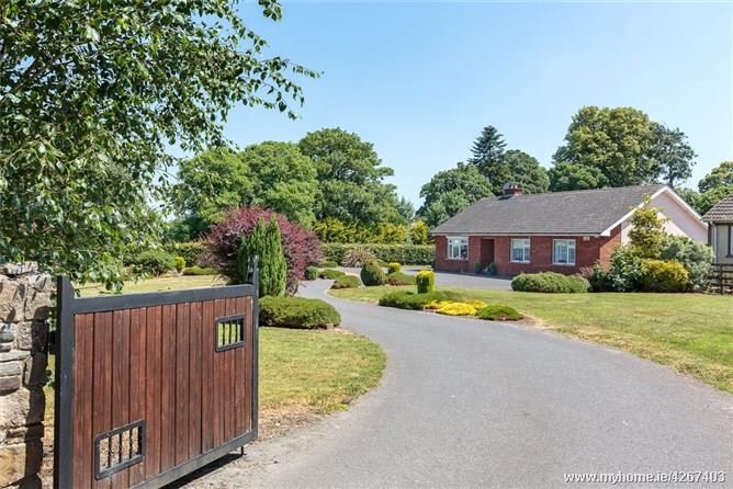 Main image for The Red Brick Bungalow, Three Bridges, Carrick On Suir, Co. Tipperary, E32 YK81