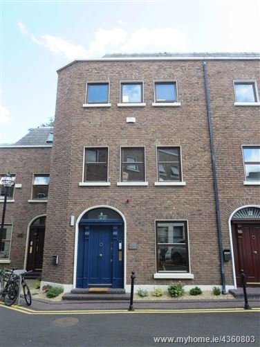 Main image for 8 Windsor Place, South City Centre, Dublin 2