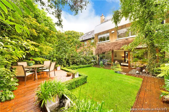Main image for 6 Raglan Lane, Ballsbridge, Dublin 4, D04 V9F4