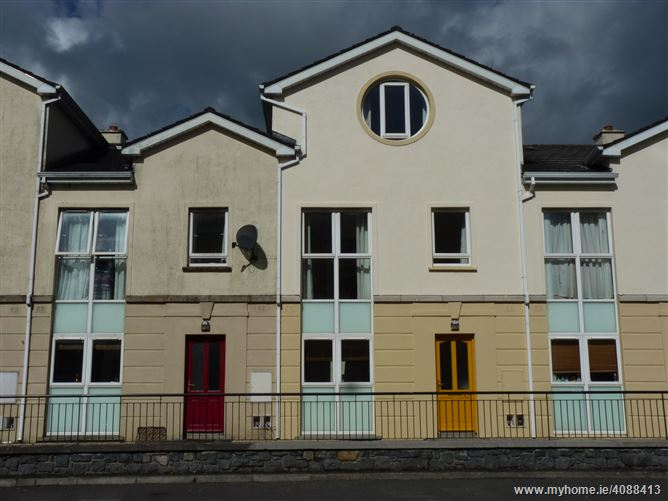 27 Inver Gael, Carrick-on-Shannon, Roscommon