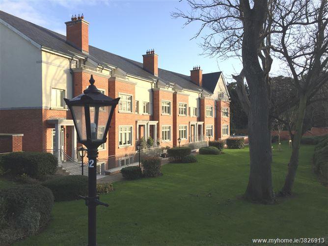 Farmleigh Avenue, Farmleigh Woods, Castleknock, Dublin 15