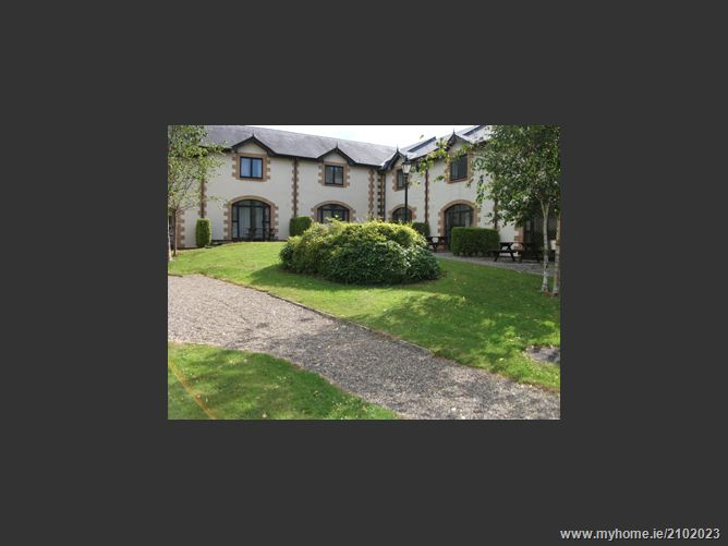 9 couch house,forest park, courtown
