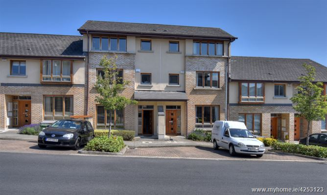 15 Belarmine Way, Stepaside, Dublin 18