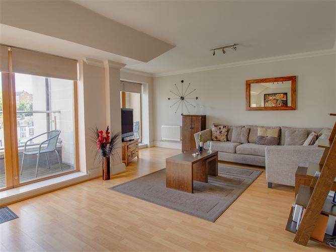 Main image for Townbridge Penthouse, BREWERS QUAY HARBOUR, United Kingdom