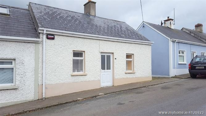 18 Mountain road, Cahir, Tipperary