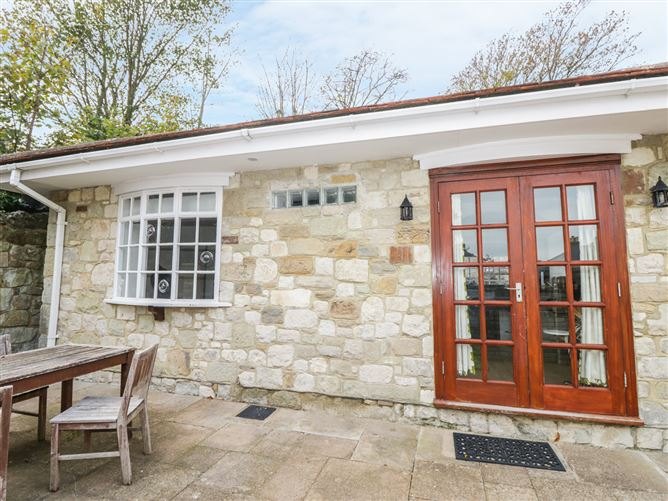 Main image for Manor Cottage, VENTNOR, United Kingdom