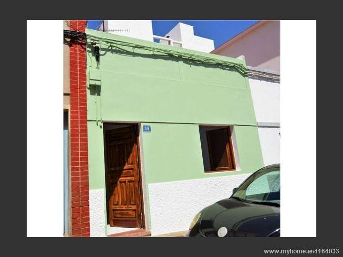 Calle, 38320, San Cristóbal de la Laguna, Spain